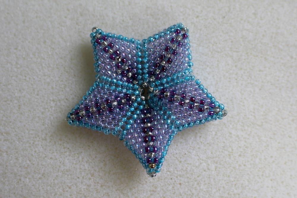 blue and purple seed bead star